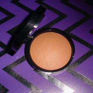 LAURA GELLER Makeup - LAURA GELLER New Soft Matte Baked Bronzer MEDIUM